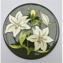 Moorcroft limited edition 'Bermuda Lily' pattern plate c1984 no. 21/200, D31cm