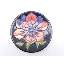 Moorcroft limited edition coaster decorated Anemone pattern no. 34/94, D12cm