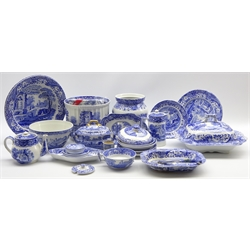 Assortment of Spode Italian pattern table ware including carving knife and fork, pair of serving bowls, small dishes and other blue and white items