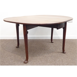 Georgian mahogany wood oval drop leaf  table, gate leg action on turned tapering supports and pad feet W136cm, H71cm, D121cm