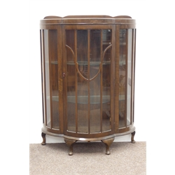 20th century dark oak bow front display cabinet, central glazed door enclosing 2 shelves, on cabriole supports W90cm, H125cm, D38cm