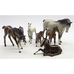 Beswick mare in matt grey No. 1812, grey foal No. 1813, first version and 5 Beswick foals in brown gloss