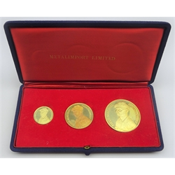 Set of three 18ct gold medals commemorating the 25th anniversary of Desert War, the obverse of each depicting Field Marshal Montgomery, total weight 61.53 grams, housed in the original 'Metalimport Limited' presentation case