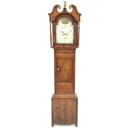 Early 19th century oak long case clock, brass finial and swans neck pediment above twin plain pilasters and mahogany banded hood, the case having inl