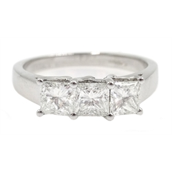 White gold three stone princess cut diamond ring, total diamond weight 1 carat