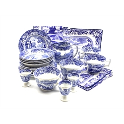 Spode Italian pattern breakfast set comprising four bowls, four cups and saucers, four small breakfast plates, three egg cups, jug and cloth napkins