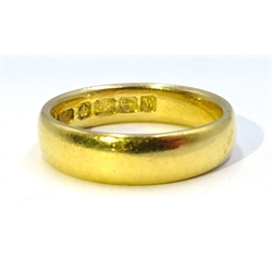 22ct gold band Birmingham 1921, approx 5.11gm