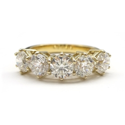 18ct gold five stone round brilliant cut diamond ring hallmarked, total diamond weight 2.57 carat