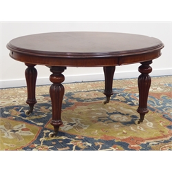 Early Victorian mahogany oval telescopic extending dining table with two additional leaves, turned and lobed supports with ceramic castors, H72cm, 120cm x 138cm - 208cm (extended)