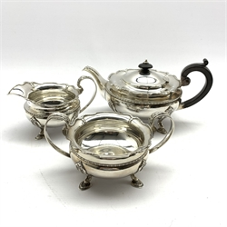 Three piece silver tea service on four hoof feet by Gorham Manufacturing Co, Birmingham 1919, approx 42oz gross