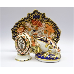 Two Royal Crown Derby paperweights 'Frog' and 'India' and a Royal Crown Derby Imari leaf shaped dish no. 2444 (3)