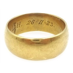 18ct gold wedding band, hallmarked, approx 11.9gm