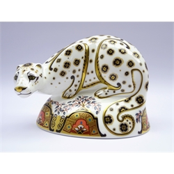 Royal Crown Derby paperweight 'Snow Leopard' with gold stopper and box, H13cm