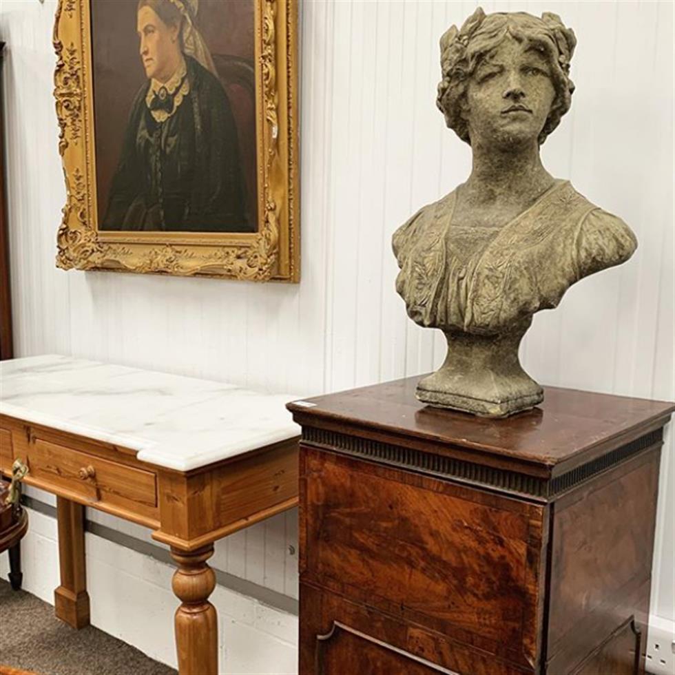 Antiques, Fine Art & Collectors