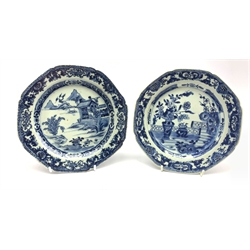 Two Chinese Export blue and white dishes of octagonal form, painted with balcony and landscape scenes L19cm